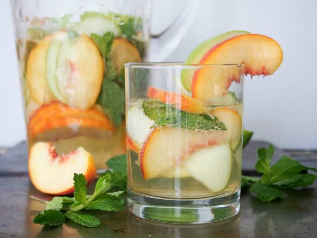 White sangria with whiskey, apple and peach - Caroline's ...