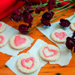 raspberry shortbread love hearts