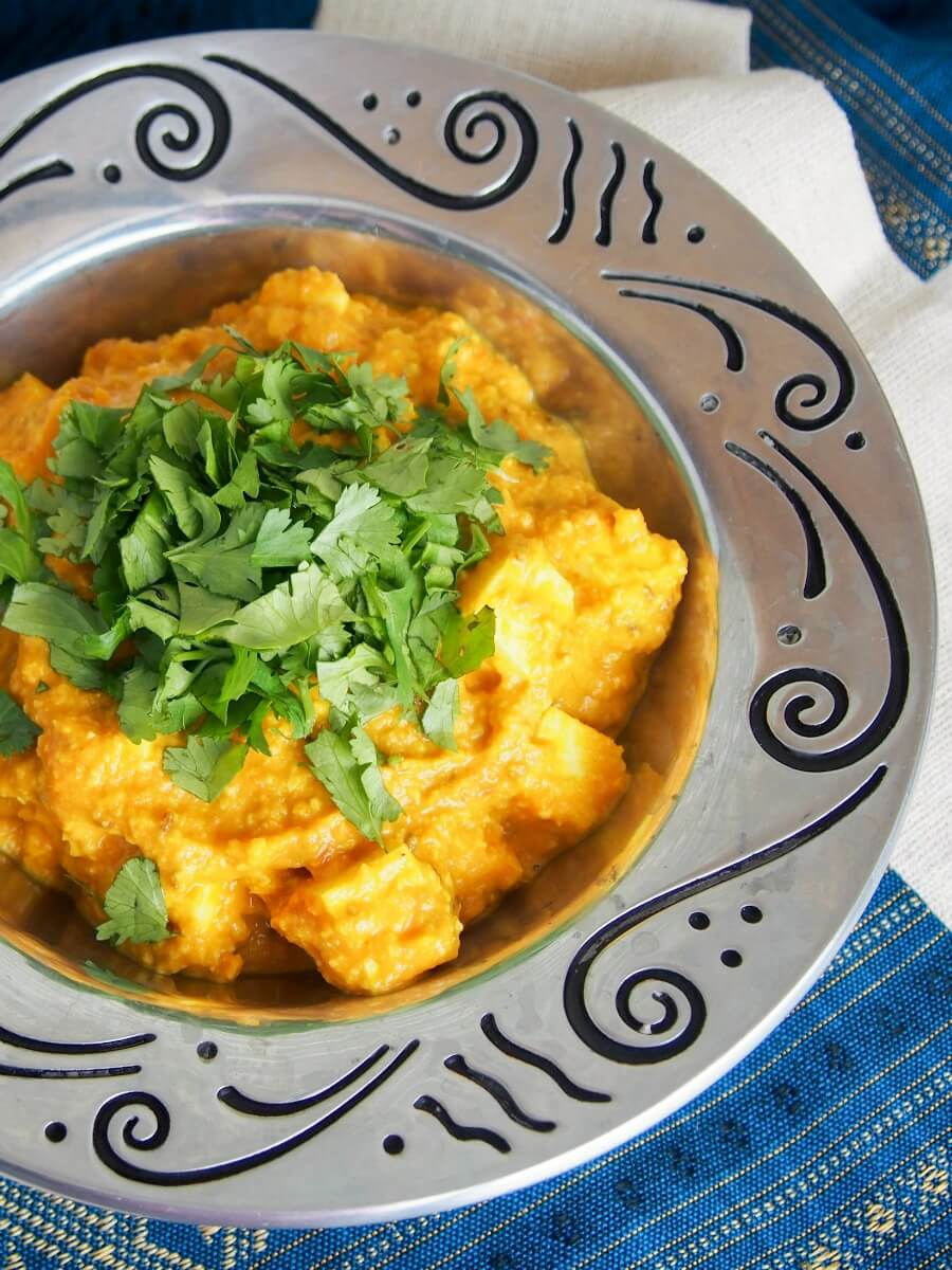 paneer Makhani - a tasty vegetarian curry in a tomato-cashew base