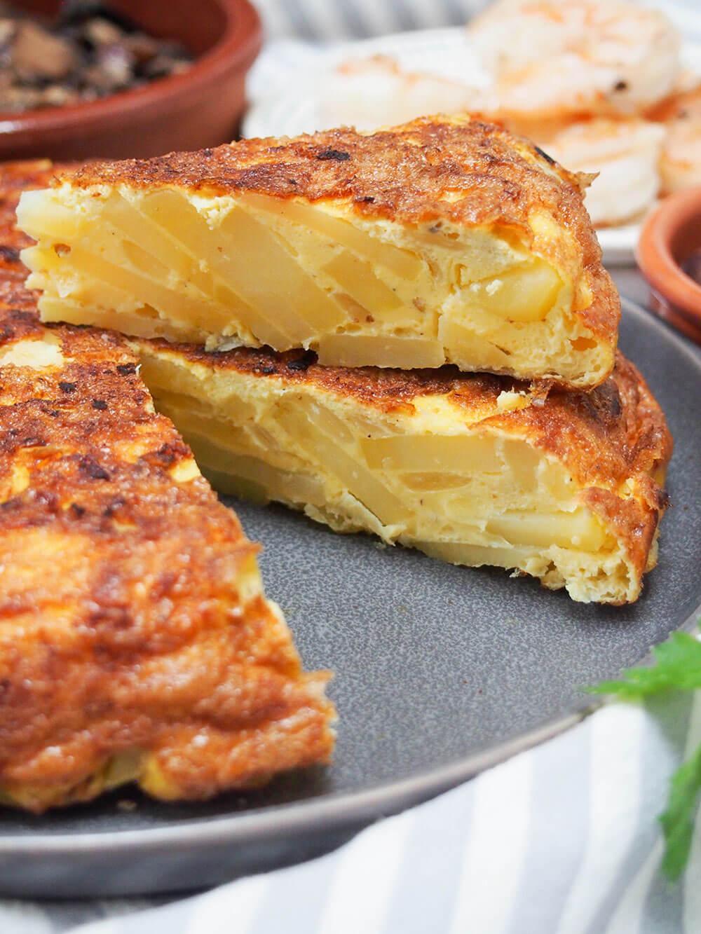 Spanish tortilla, tortilla Española slices