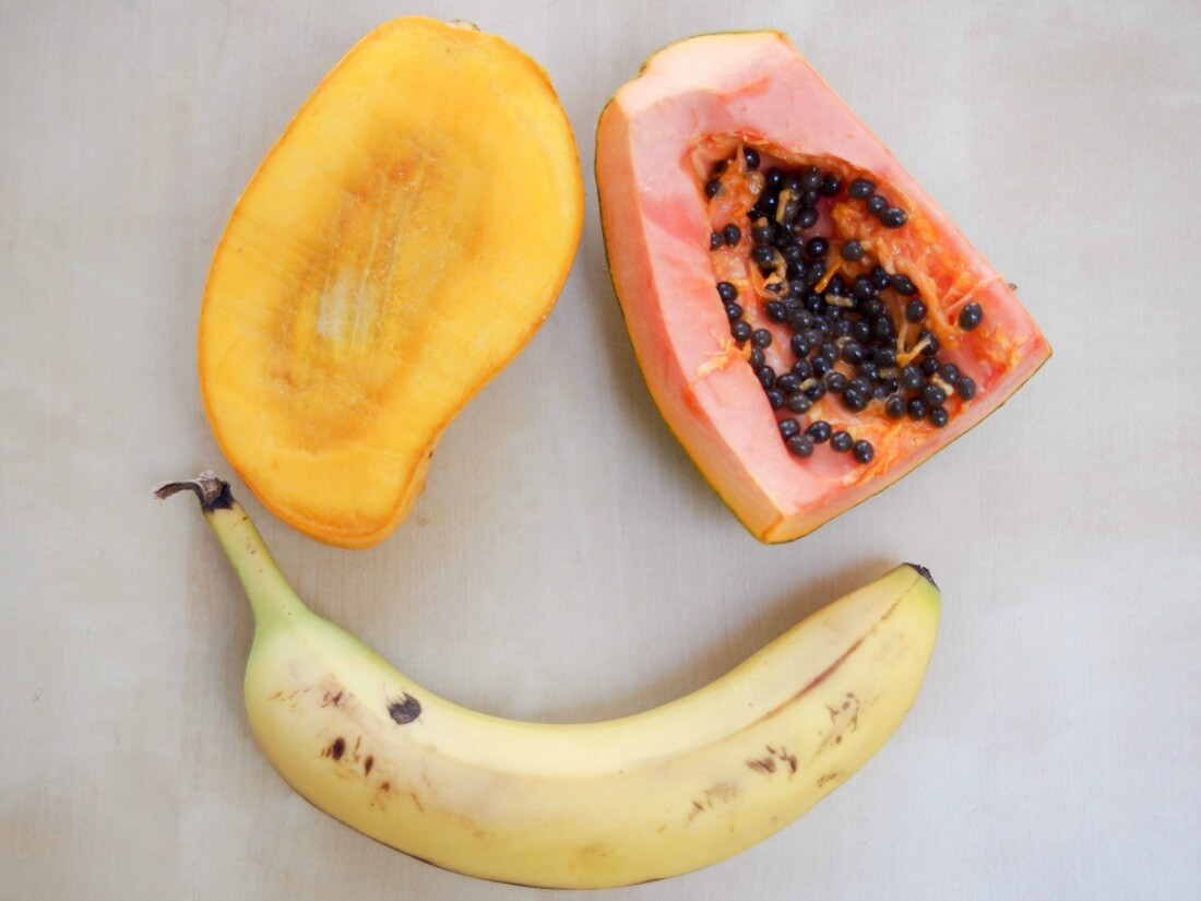 tropical fruit smoothie ingredients