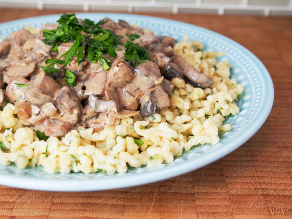 mushroom stroganoff - a delicious, easy vegetarian meal that's hearty and comforting. Move over meat version!