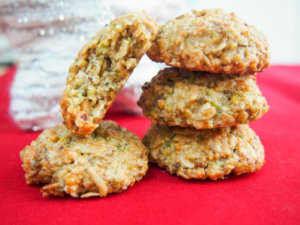 Whip up a batch of pistachio oatmeal cookies in no time & enjoy these delicious seasonal treats. Gluten free, dairy free & no refined sugar, they're healthy too.