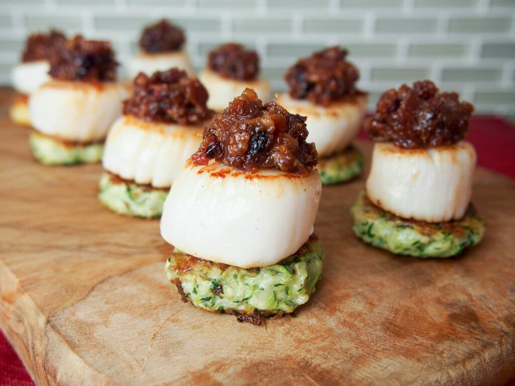 Scallops with cranberry bacon jam