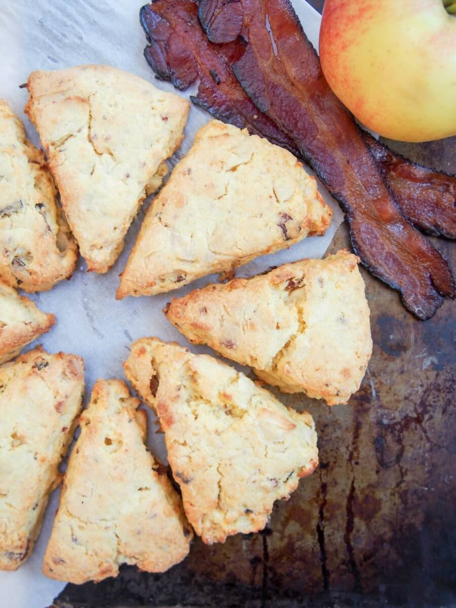 These apple and bacon cornmeal scones are a moist and delicious snack, with a wonderful sweet-savory flavor combination.