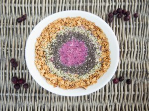 wild blueberry and apple crumble smoothie bowl
