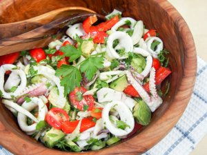 Calamari salad with fennel and avocado