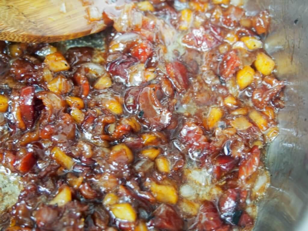 making apple bacon jam