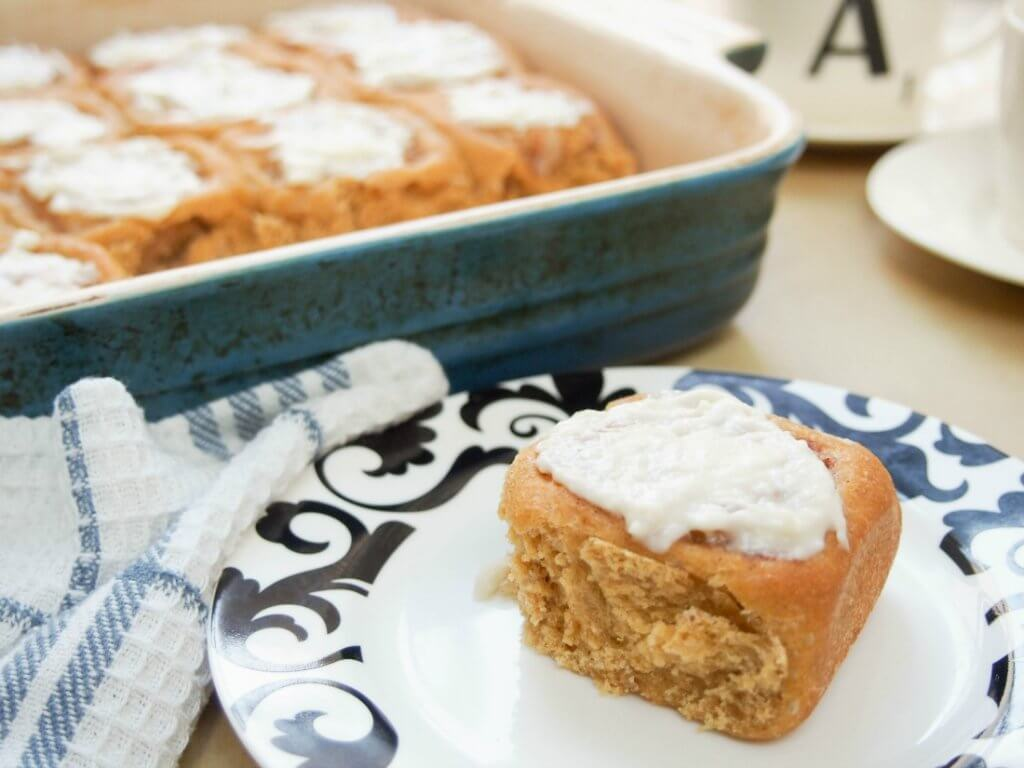 Pumpkin cinnamon rolls with maple-apple filling - a healthier and very fall-inspired version of the classic treat with wholewheat flour and no refined sugar, but so delicious!
