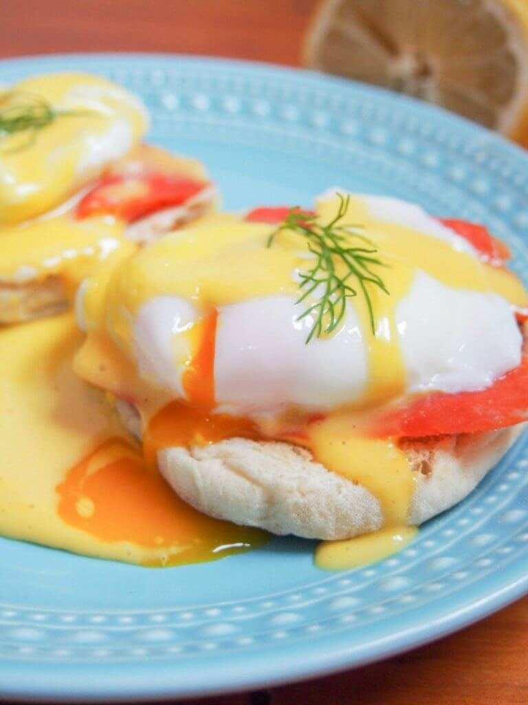 Eggs Royale is a variation of eggs Benedict combining poached eggs and smoked salmon on top of toasted muffins, drizzled with homemade Hollandaise sauce. Delicious flavors, easy to make, it's a fantastic breakfast/brunch.