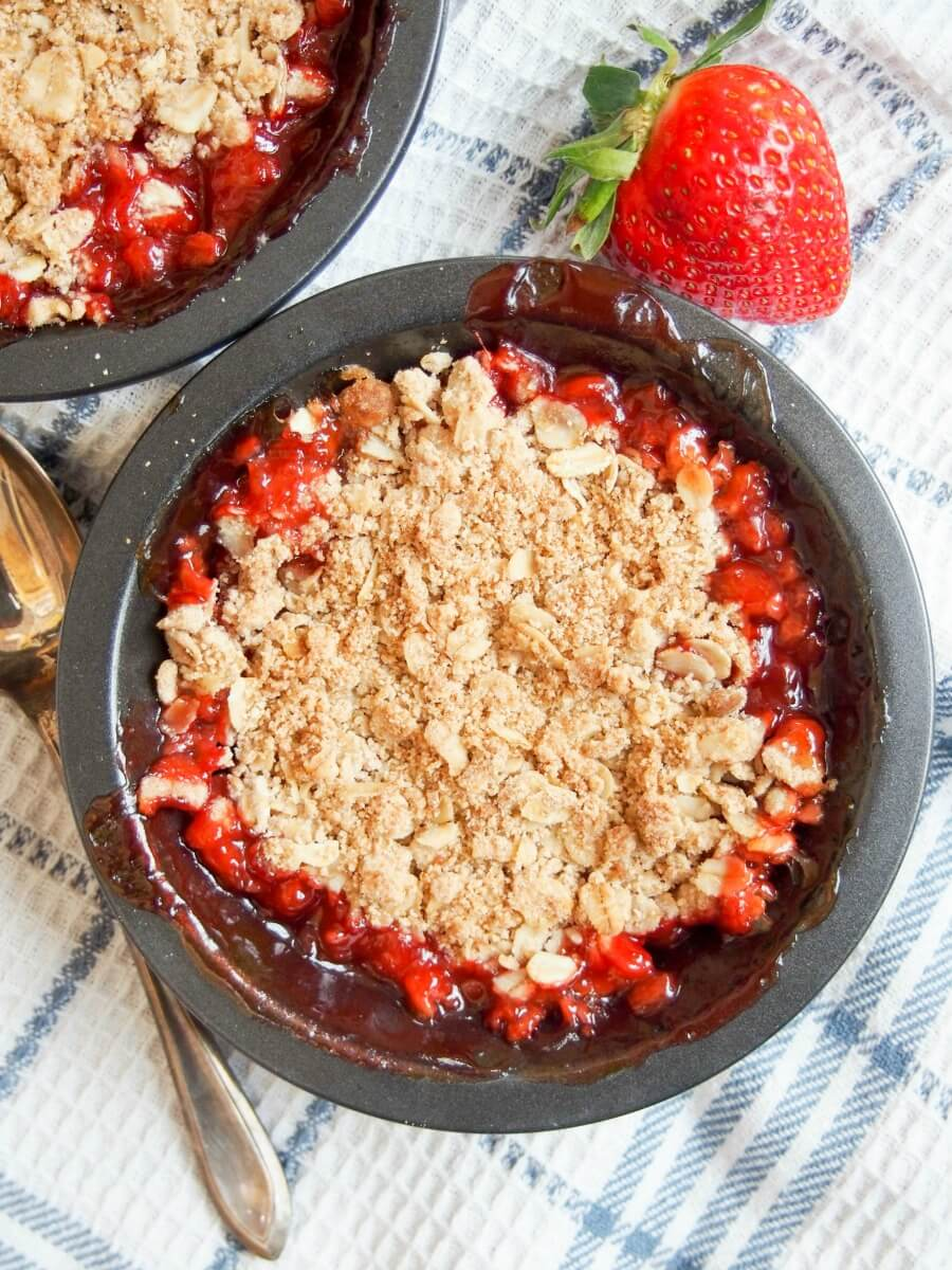 This strawberry rhubarb crisp is a great easy dessert. Deliciously fruity, with bites of tart rhubarb and a sweet, crisp topping. With GF option