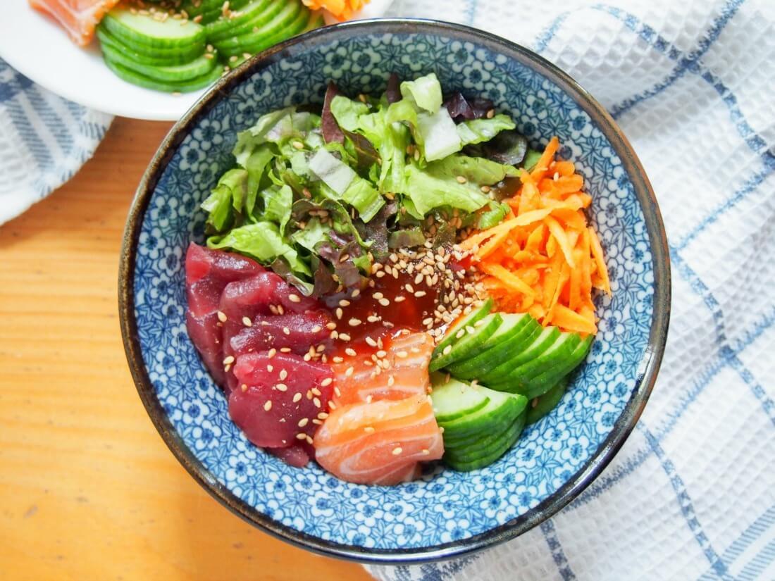 Korean sashimi rice bowl (hoedeopbap)