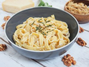 pumpkin pasta with walnut sauce