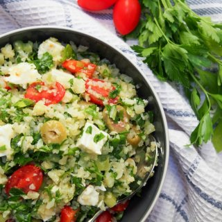 Greek-style cauliflower rice salad