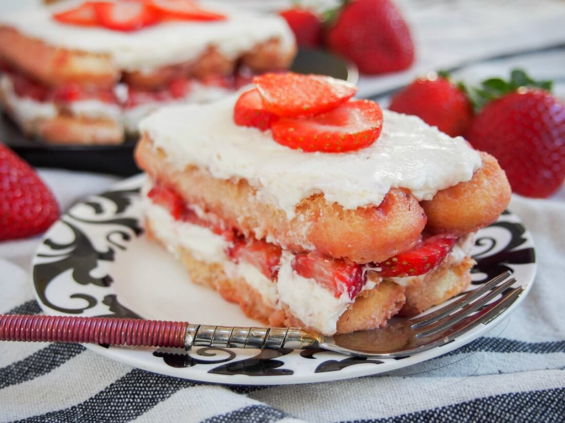 Strawberry tiramisu #SundaySupper - Caroline's Cooking