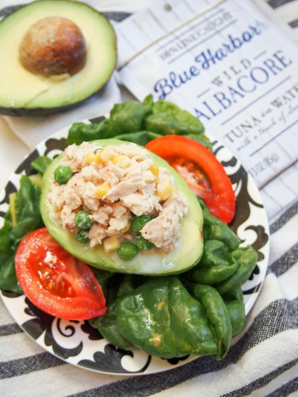 Tuna stuffed avocado (palta rellena de atun)