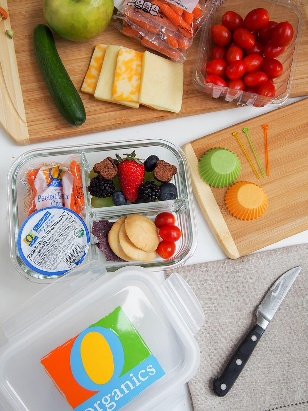 Easy bento box lunch with chocolate chickpea fudge - bento box made at event