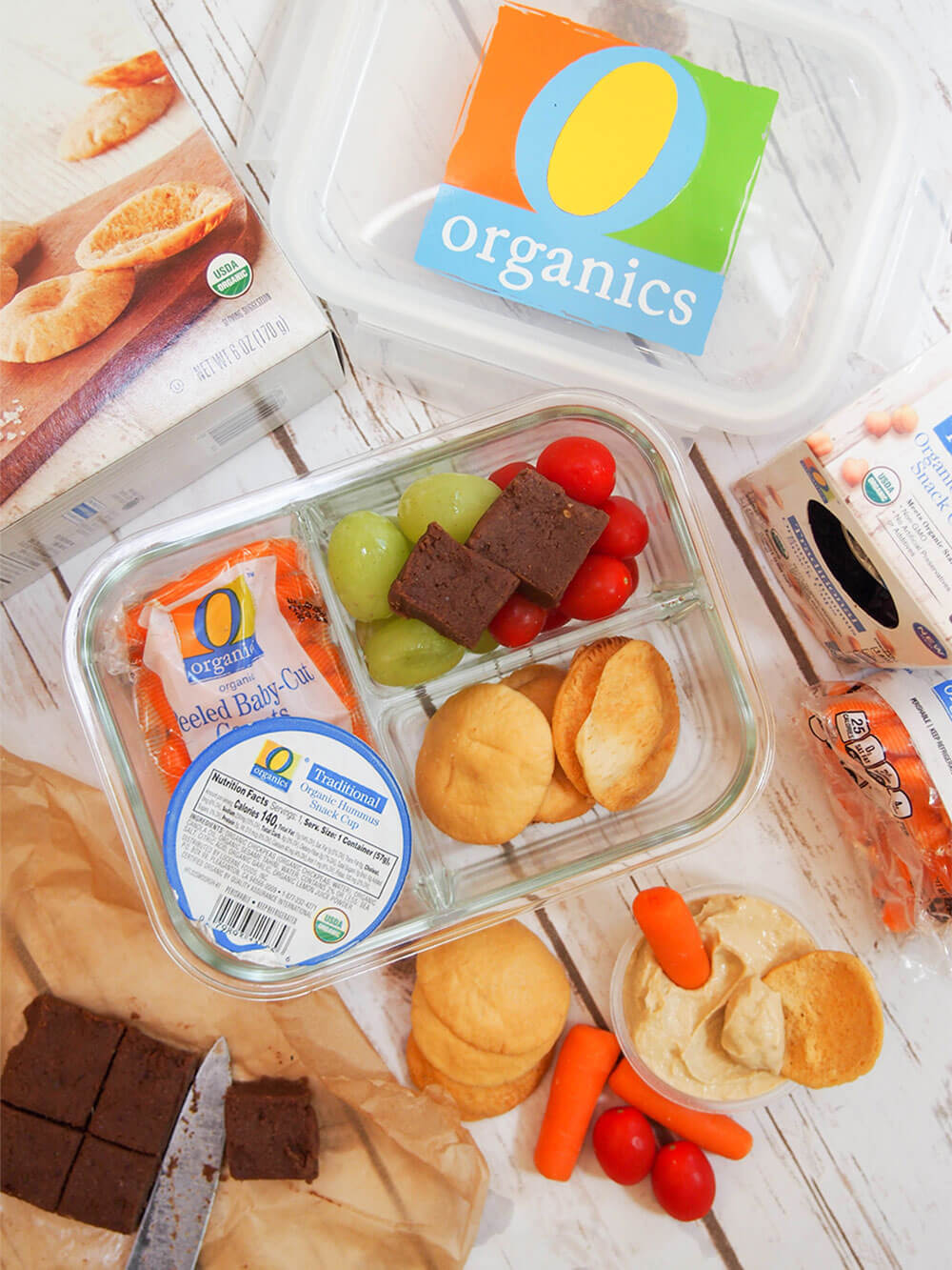 easy bento box lunch with chocolate chickpea fudge