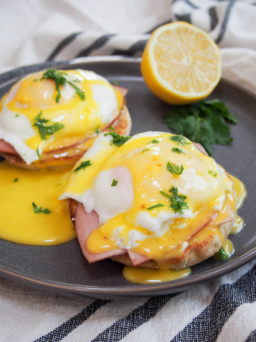 Eggs Benedict - Caroline's Cooking