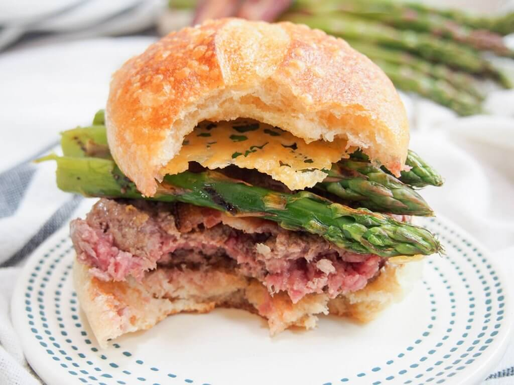 Asparagus parmesan burger with parmesan chips