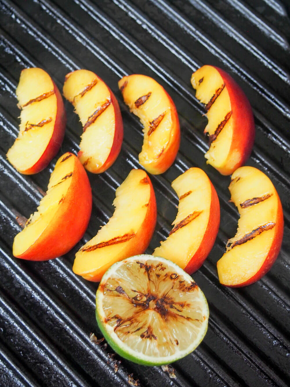 grilling peach and lime for mojito