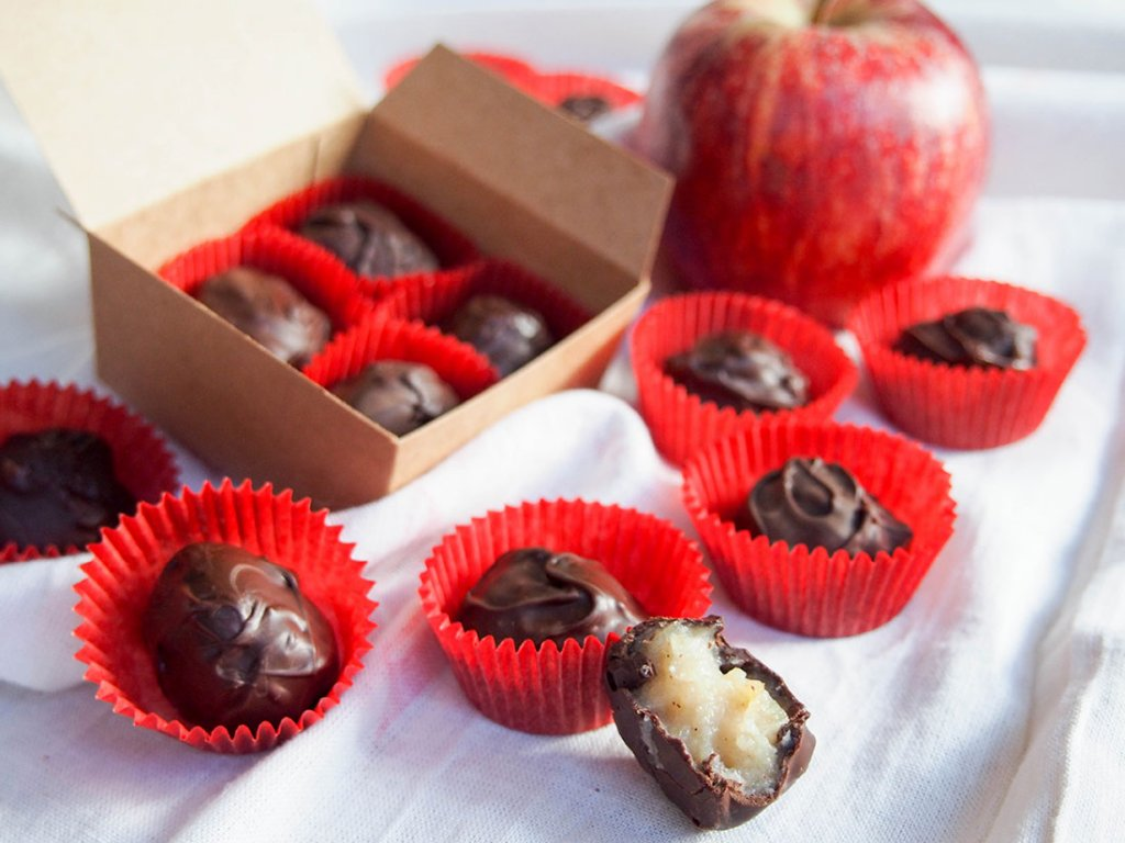 Apple pie truffles in box and in holders